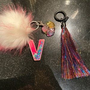 FREE WITH ANY PURCHASE - VS 2/key chain